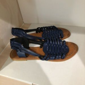 Shoes - Women's Blue Strappy Sandals In Size 7/8